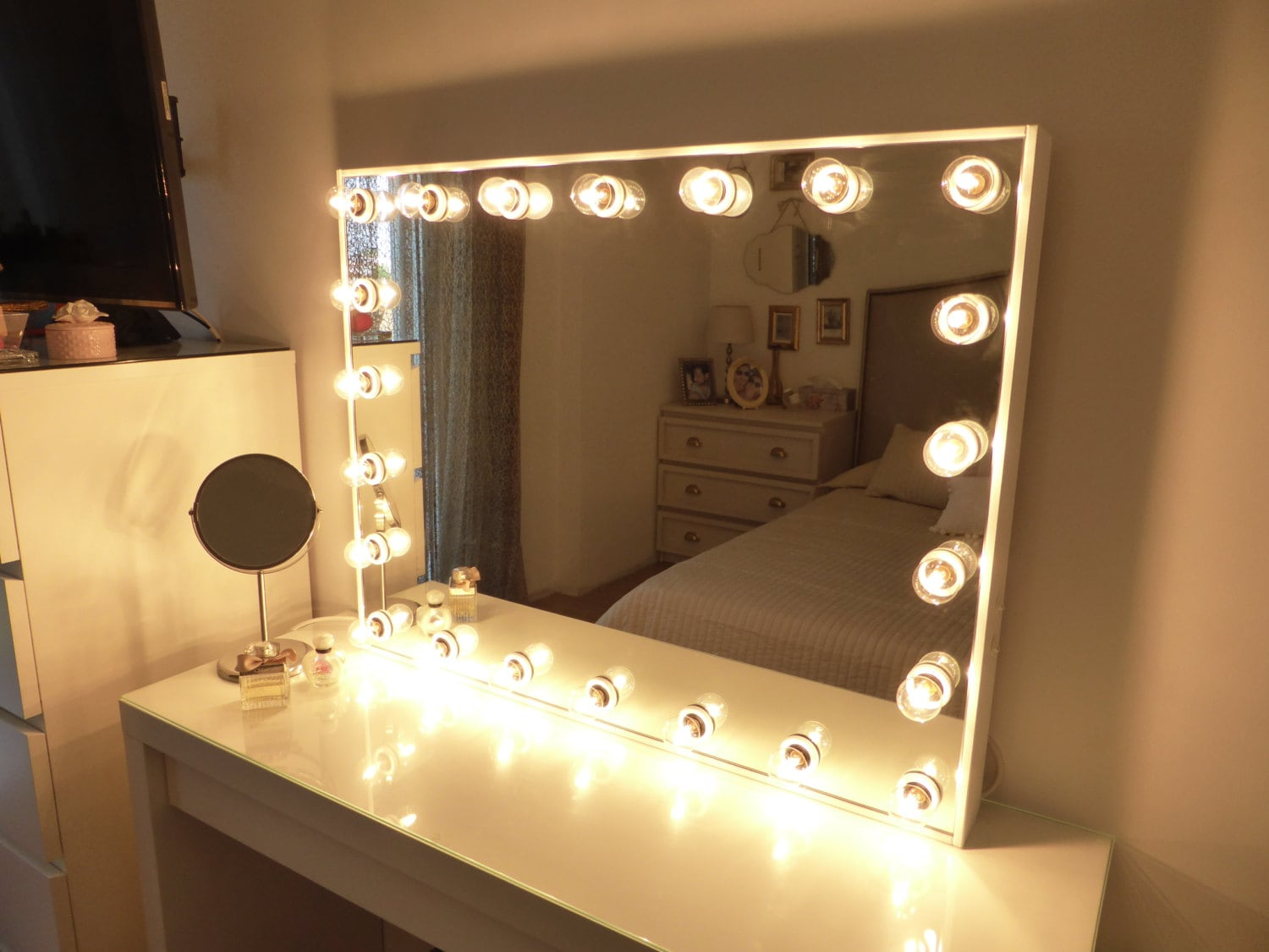 Deluxe vanity mirror XL hollywood lighted by CraftersCalendar