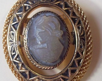 Vintage Mother Of Pearl Cameo Brooch