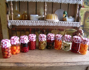 Reallistic Dollhouse miniature  jars of jam 1:12