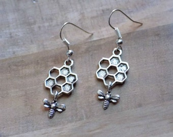 Honey Comb Earrings - Bee Earrings - Vintage Silver - Honey Bee - Gifts for her
