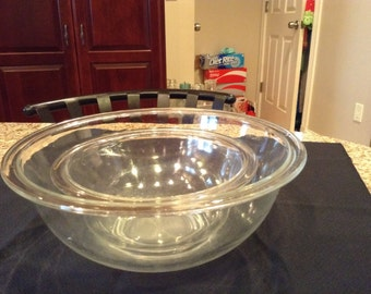 Pyrex Clear Glass Mixing Bowls #325 and 322