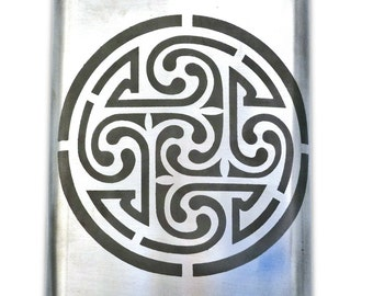 Celtic Knotwork Circle flask
