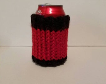 Black and Red Knit Can Cooler