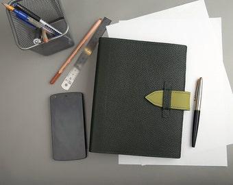 Leather binder «Basic»