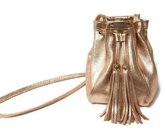 Metallic Bucket bag in rose gold, silver or champagne gold // Fringe bag // boho cross body in rose gold // metallic peach mini bucket bag
