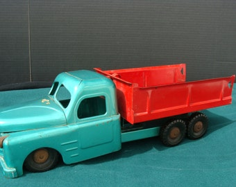 Metal Toy Dump Truck by Structo Toys
