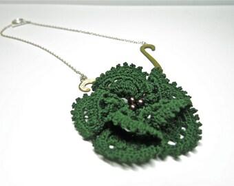 Lucky Charm Green Flower Pearl Crochet Necklace, Pearl Crochet Statement Necklace, Handmade Necklace, Fresh Water Pearls, Handmade Jewelry