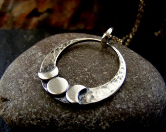 Silver Triple Moon Crescent Hammered  Pendant Necklace  Circle Celestial Pendant