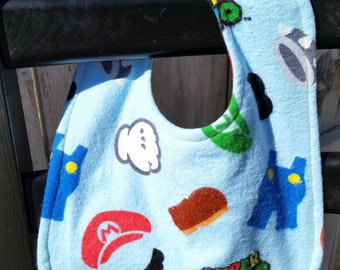 Reversible Baby Bib made out of Super Mario Fabric, Mario Baby Bib, Nerdy Baby Bib, Super Mario Fabric, Gamer Baby Bib, Geeky Baby Bib