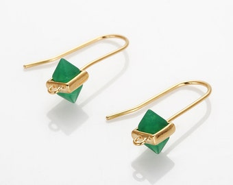 Palace Green Glass Rectangular Cone Hook, Rectangular Polished Gold -Plated - 2 Pieces [G012301H-PGPG]