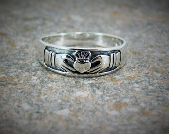 Claddagh Ring Mens or Womens Sterling Silver 925 Claddagh Ring / Promise Ring / Engagement Ring / Free Engraving