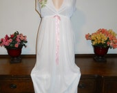 Vintage 1970's ~ L'Intime Long Elegant Nightgown ~ Bridal White Silky Nylon ~ Floral Bust ~ Romantic ~ VLV ~ Lolita ~ Size medium ~ NOS