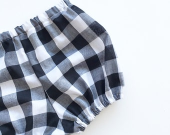 Black and white picnic shorties