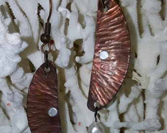 Hammered bronze with copper