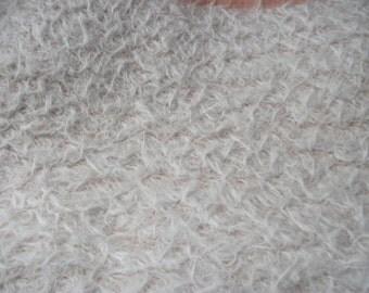 25mm  White Medium Dense Mohair