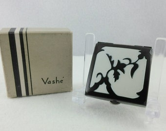 Vintage Vashe Black and White Enamel Powder and Rouge Compact