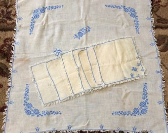 Vintage blue and ivory flower table linen decor