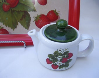 Strawberry McCoy Teapot Made in the USA 7129