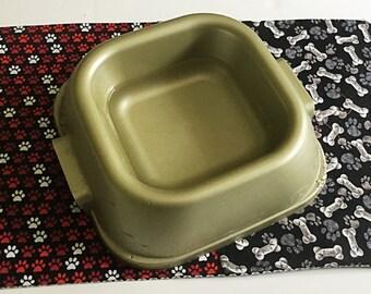 Red & Black Reversible Dog Bowl Mat