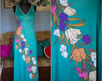 Vintage nightgown / Floral romantic nightgown / Turquoise nightgown / Size S-M/ 80s