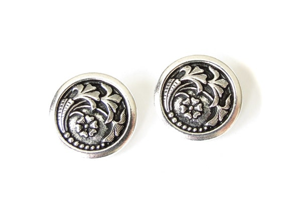 2x czech flower buttons antique silver finish tierracast for Buttons with shanks for jewelry