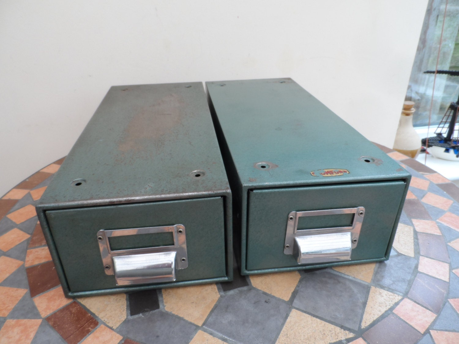 Retro & Vintage Metal desk top Index card or filing cabinet
