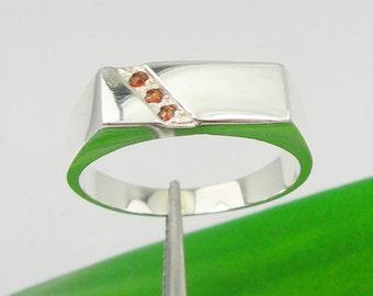 Natural Garnet Gemstone Men Signet Ring Genuine 925 Sterling Silver - R3923