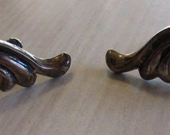 Swired Sterling Silver Vintage Screw Back Earrings from Mexico