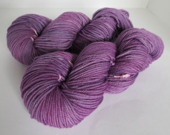 Hand Dyed Merino Worsted, Lilac Season, 115g/200 yards