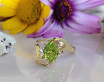 20% OFF Sale!! August Birthstone Jewelry - Peridot Ring - Gemstone Ring - Coctail Ring - Prong Set Ring - Light Green Ring - Gold Ring