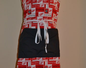 Detroit Red Wings Full Apron with Contrasting Pocket