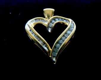 Vintage Estate 10K Gold Heart Pendant With Diamonds  3.1g #E2241
