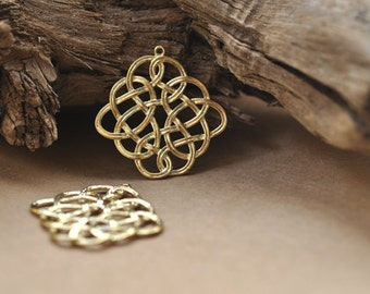 2 Large Celtic abstract pendants, Gold brass jewelry findings / jewellery supplies P7106