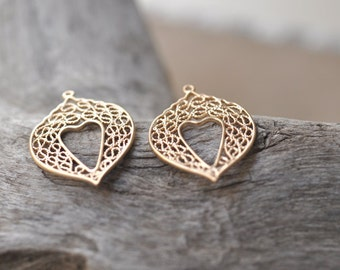 2 beautiful Filigree contemporary penant, gold plated brass metal P5904