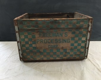 Vintage Freeman's Processing Co. Wood Milk Crate - Dairy - Storage - Display - Farmhouse - Country Decor