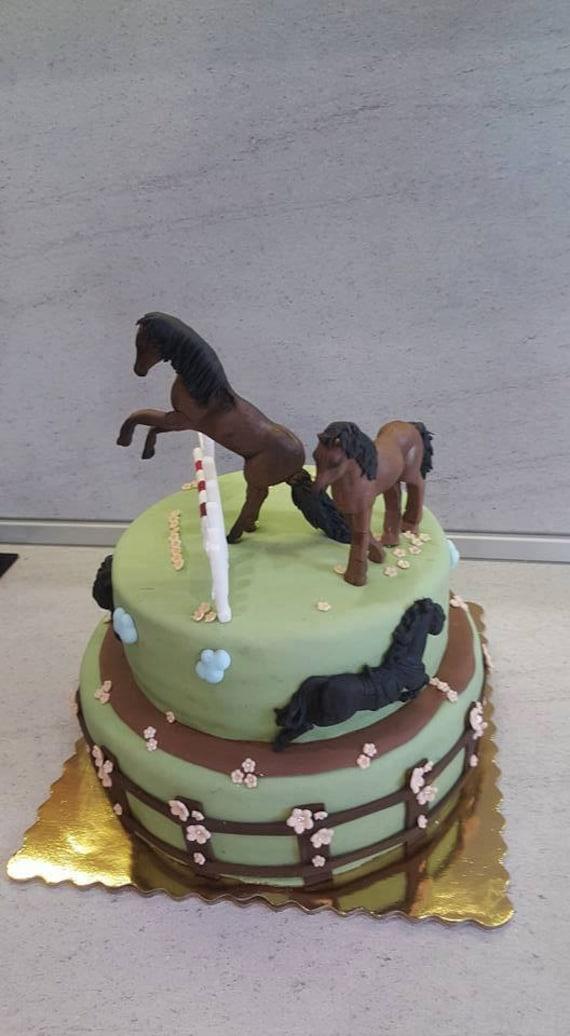 Cake Decorating Horse Mould : Silicone Mould 3D HORSE Sugarcraft Cake Decorating Fondant ...