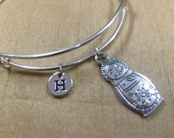 KIDS SIZE - Russian doll charm bracelet - matryoshka doll bracelet, nesting doll bracelet, Russian doll bangle, silver matryoshka bracelet