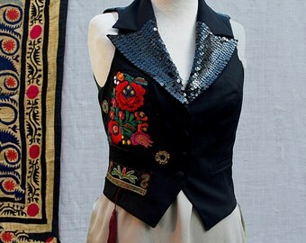 Vest designed embroidery is and always surprises .The vest embroidered ethnic lines by the tribes of  Art Ethnic  by modern women Orientales