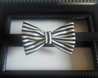 Baby bow Headband in black and cream stripe, bow tie headband, Tuxedo bow headband, elastic Headband, winter Headband,, infant headband