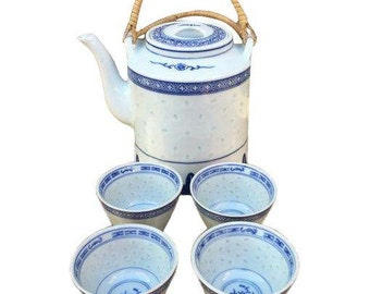 Vintage Chinoiserie tea set