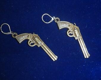 Novelty Brass Revoler Pistol Earring Set - Chic, High Fashion, Steampunk, Gamer