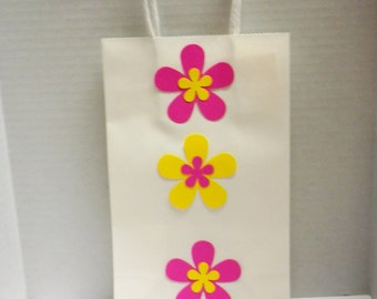 Gift Bags- Spring Flower Gift bags, Flower Gift Bags,Baby Shower Gift Bags, Wedding Gift Bags, Party Gift Bags, Bridal Shower Gift Bags