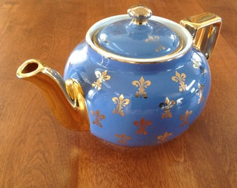 Hall Boston 6 Cup Blue with Fleur de Lis Gold Trim Teapot