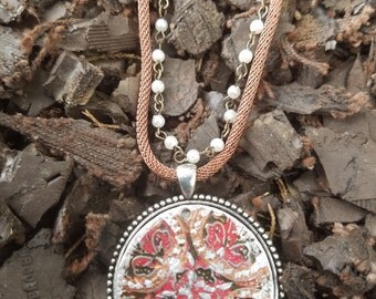 Brown Medallion Necklace