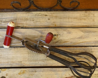 EKCO Vintage HANDMIXER, Red and Cream, Egg Beater, High Speed Super Center Drive Beater, Retro, Farmhouse, Distressed, Rustic, Kitchen