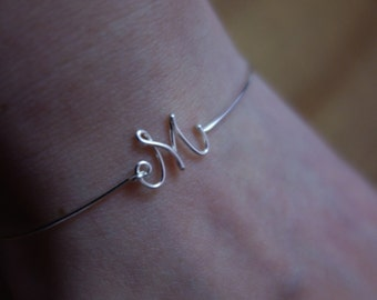 Sterling Silver/Gold Fill Initial bangle/initial bracelet/letter bangle/letter Bracelet/custom Jewelry/Bridesmaid Gift/Wedding Gift ideas
