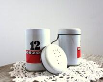 Vintage shakers set | collectable, salt and pepper, salt shaker, pepper shaker set