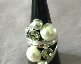 Ring bead