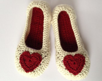 Red Heart Crochet Slippers.. Mothers Day Gift.Bridesmaid slippers. Wedding slippers. Non slip sole.Easter Gift.