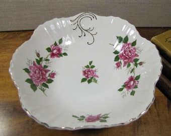 Small Scalloped Edge Porcelain Serving Bowl - Pink Roses - Ribbed Sides - Gold Accent